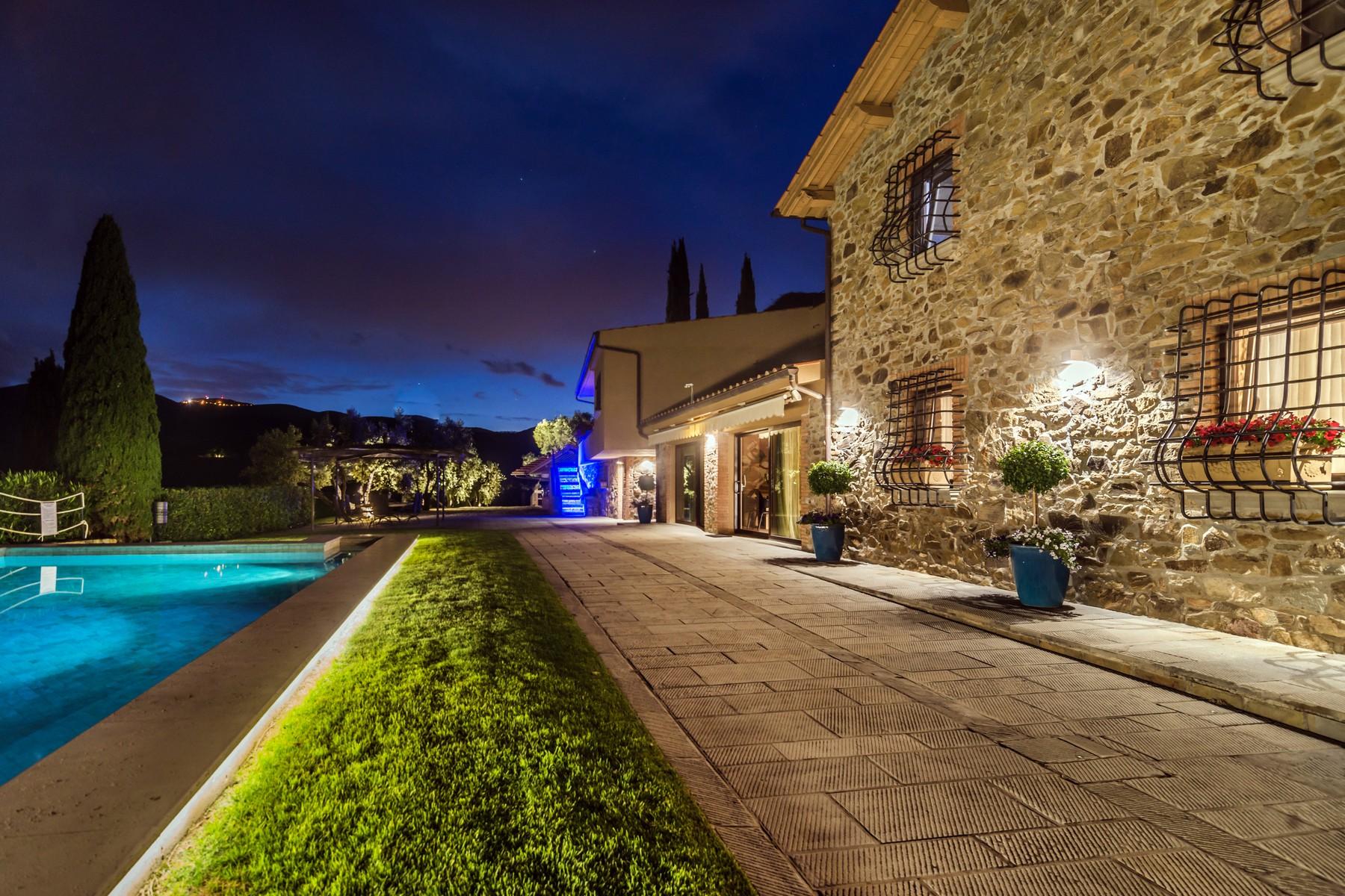 Inspirant propriété en toscane avec des vignoble et olivier