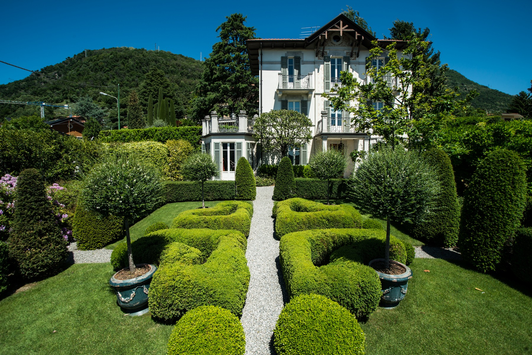 Gorgeous villa with dependance overlooking Lake Como