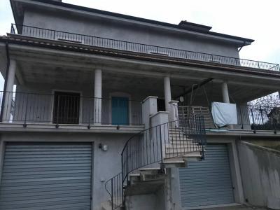 Appartamento in Affitto a Castorano