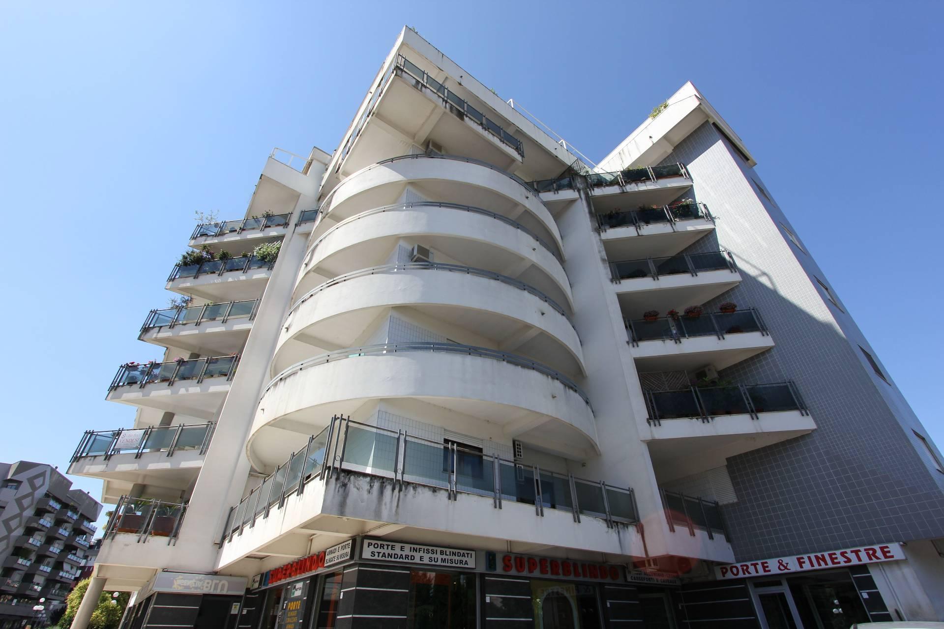 Appartamento in vendita a Rende, 5 locali, zona Località: Roges-Commenda, Trattative riservate   PortaleAgenzieImmobiliari.it