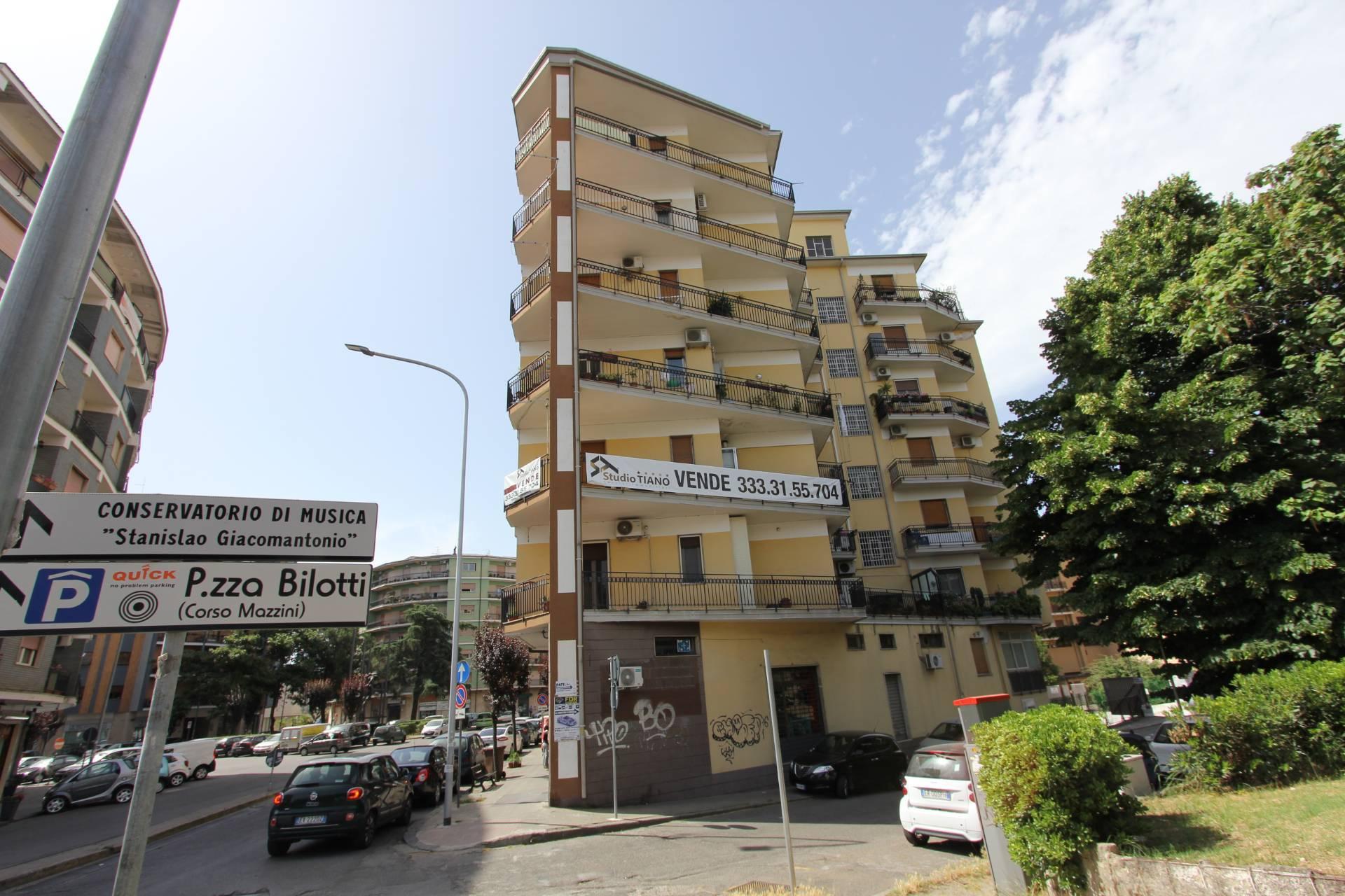 Appartamento, 212 Mq, Vendita - Cosenza (Cosenza)
