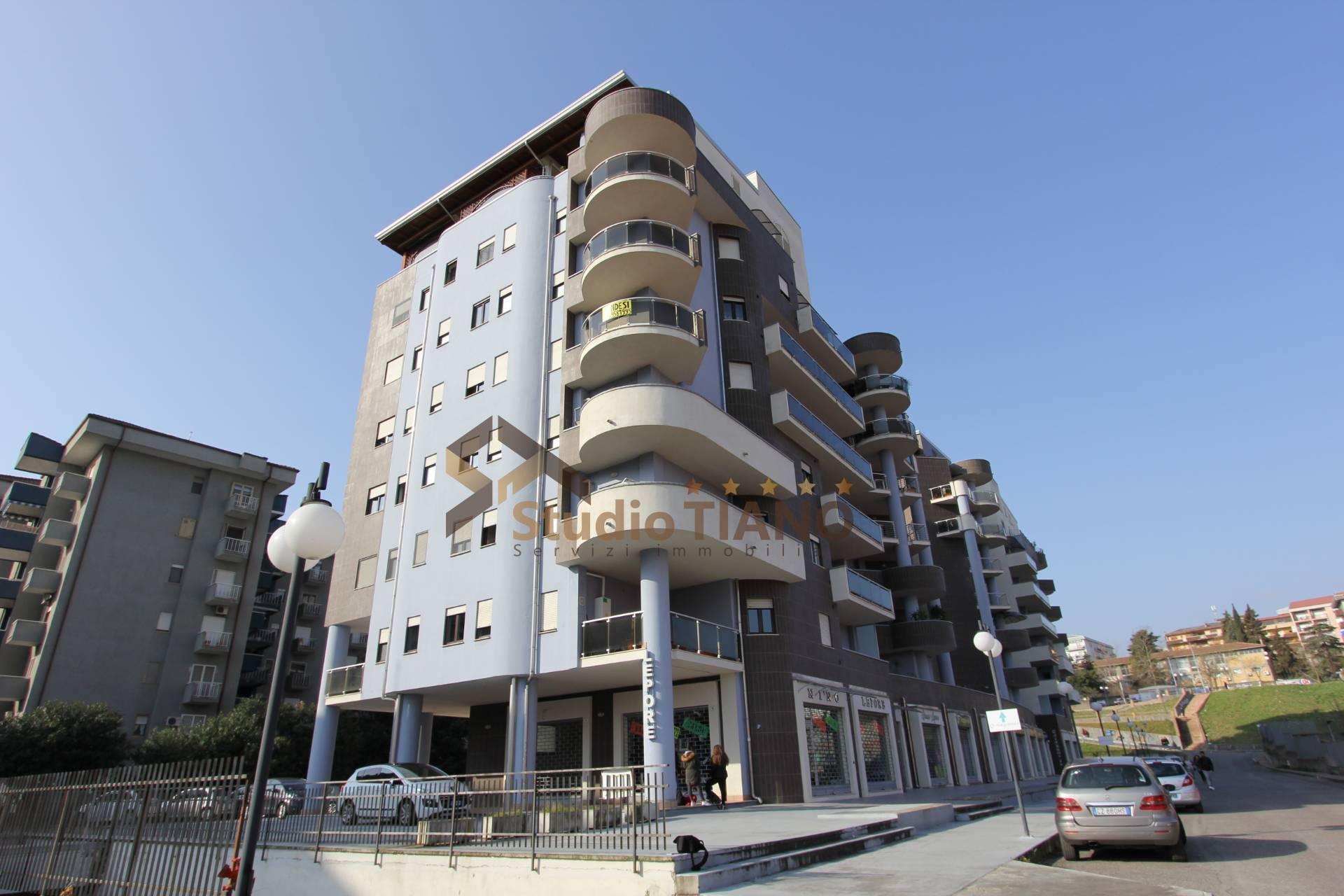 Attico / Mansarda in vendita a Cosenza, 5 locali, prezzo € 360.000   PortaleAgenzieImmobiliari.it