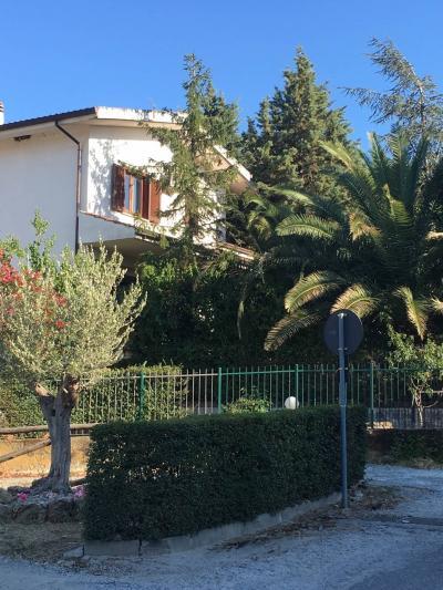 Villa in Vendita a Montalto Uffugo