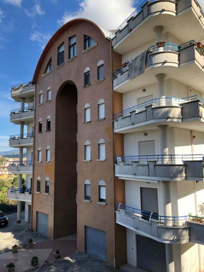 Appartamento in Vendita a Rogliano