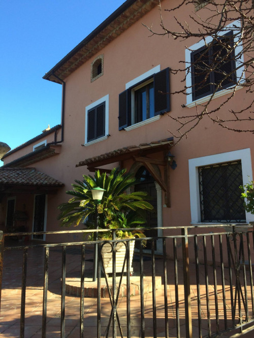 Villa in Vendita a Mendicino