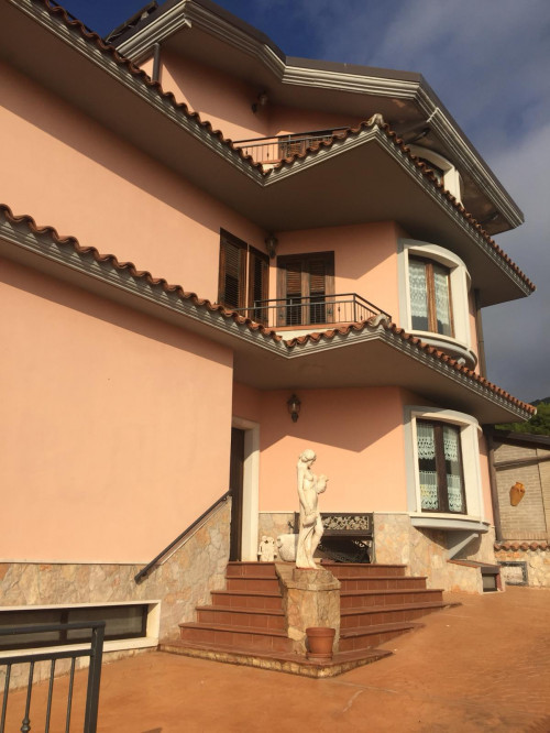 Villa in Vendita a San Giovanni Rotondo