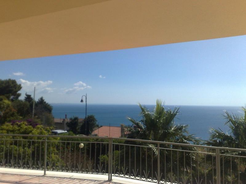 Villa in vendita a Stalettì, 8 locali, zona Zona: Copanello, prezzo € 750.000 | Cambio Casa.it