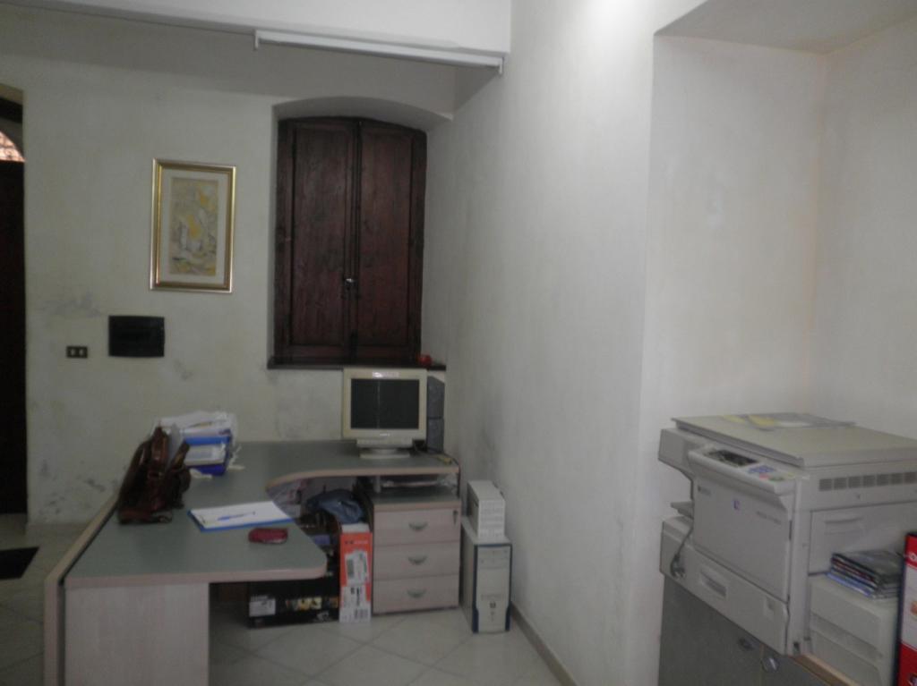 Negozio / Locale in vendita a Catanzaro, 2 locali, zona Località: Centrostorico, prezzo € 64.000 | Cambio Casa.it