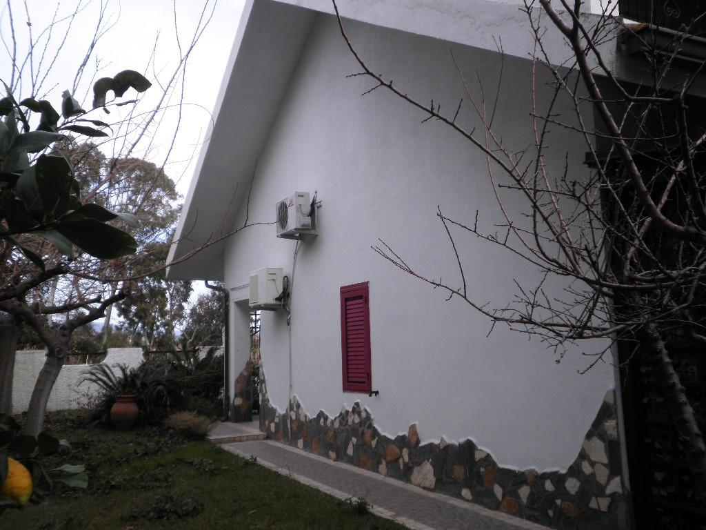 Villa in vendita a Simeri Crichi, 4 locali, zona Località: SimeriMare, prezzo € 175.000 | Cambio Casa.it
