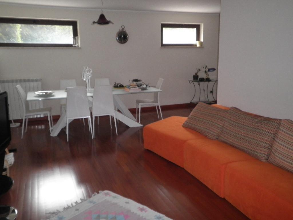Villa in vendita a Catanzaro, 7 locali, zona Località: CATANZARONORD, prezzo € 345.000 | Cambio Casa.it