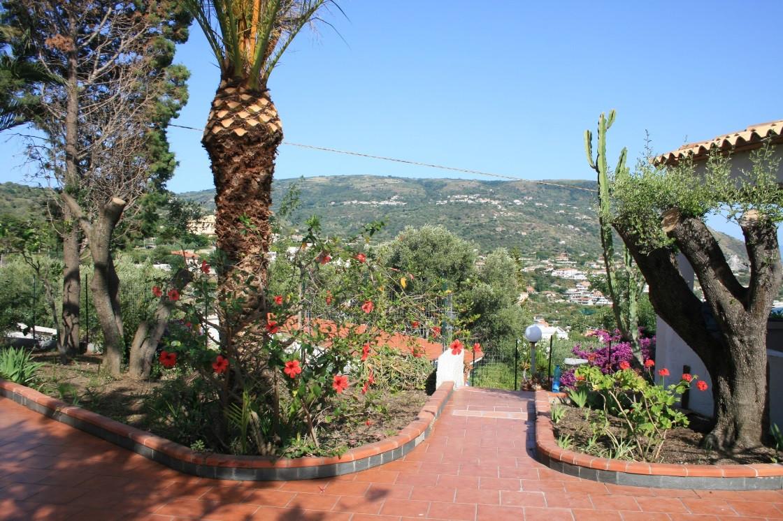 Villa in vendita a Ricadi, 4 locali, zona Zona: Ricadi, prezzo € 135.000 | Cambio Casa.it