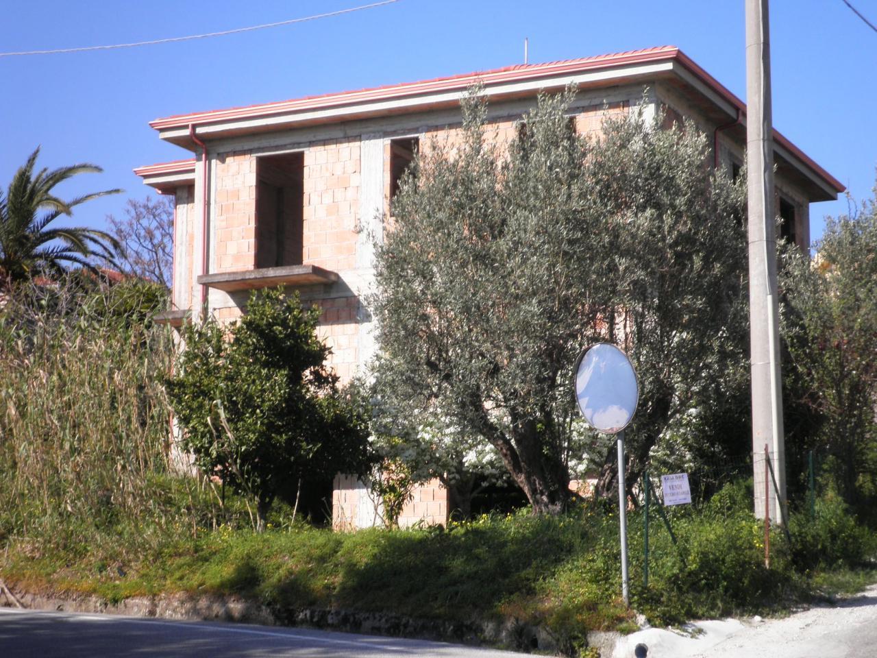 Rustico / Casale in vendita a Settingiano, 9999 locali, zona Località: ViaMonaci-C/daMartelletto, prezzo € 200.000 | Cambio Casa.it