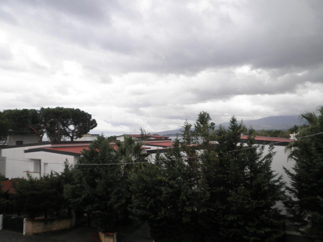 Appartamento in vendita a Montauro, 3 locali, zona Località: LocalitàCalalunga, prezzo € 100.000 | Cambio Casa.it