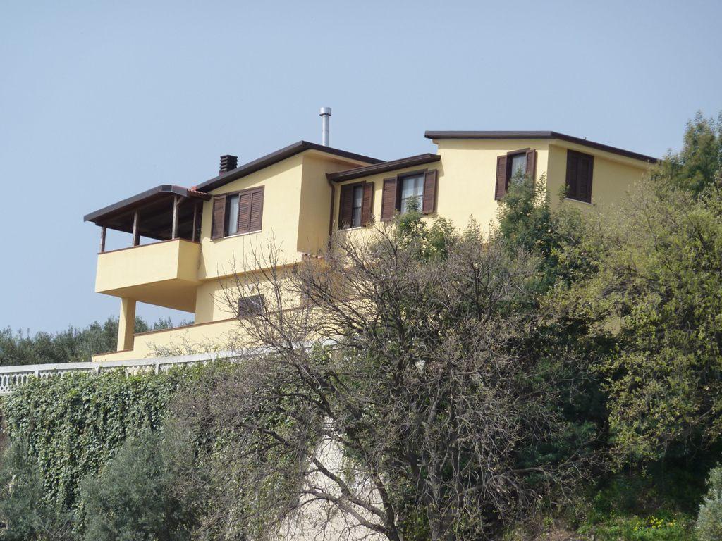 Villa in vendita a Gasperina, 10 locali, prezzo € 690.000 | Cambio Casa.it