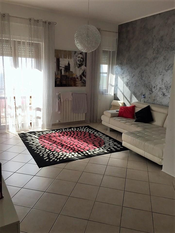 Appartamento in vendita a Catanzaro, 4 locali, zona Località: CATANZAROSUD, prezzo € 200.000 | Cambio Casa.it