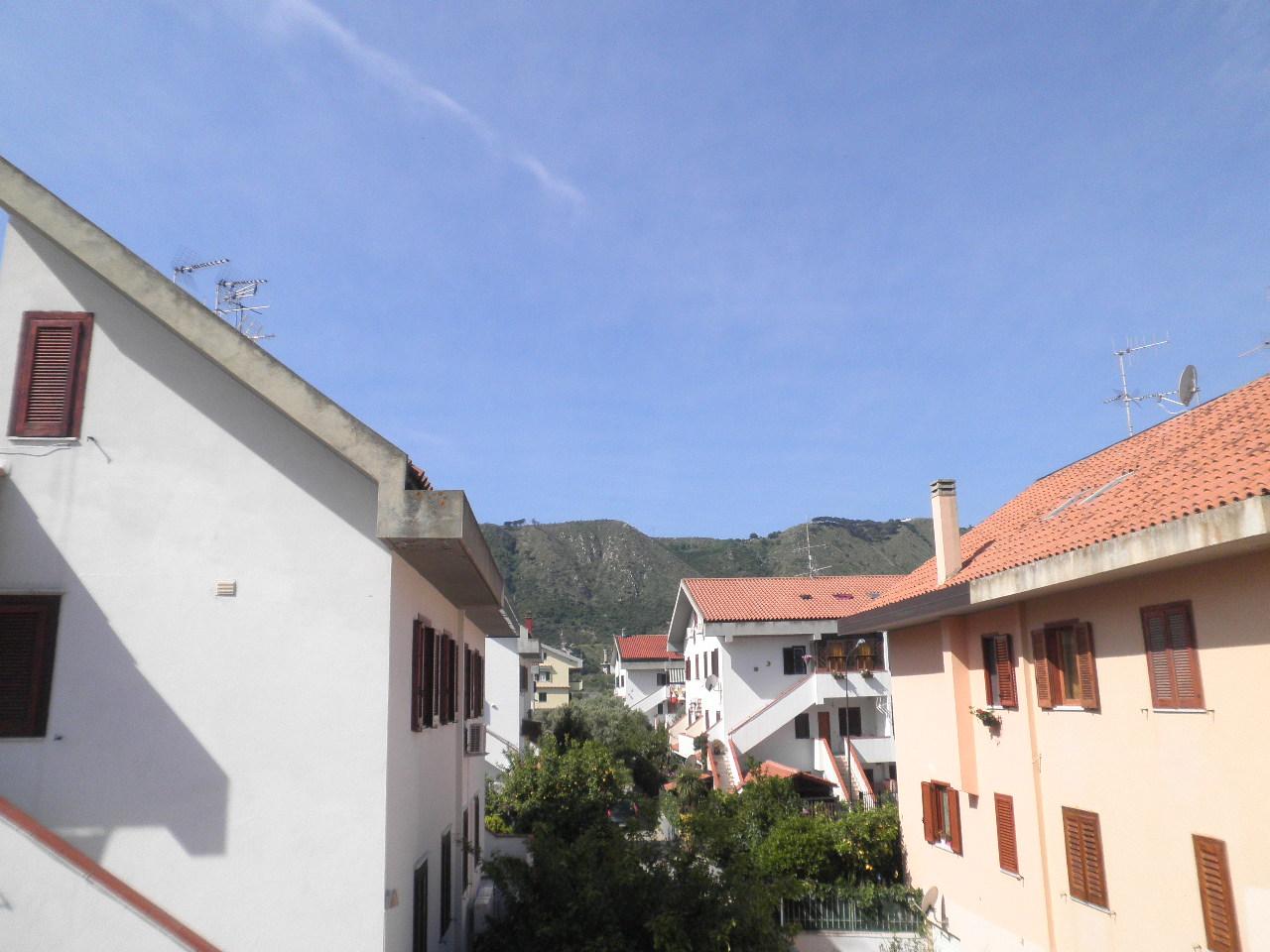 Appartamento in vendita a Squillace, 5 locali, zona Località: SquillaceLido, prezzo € 125.000 | Cambio Casa.it