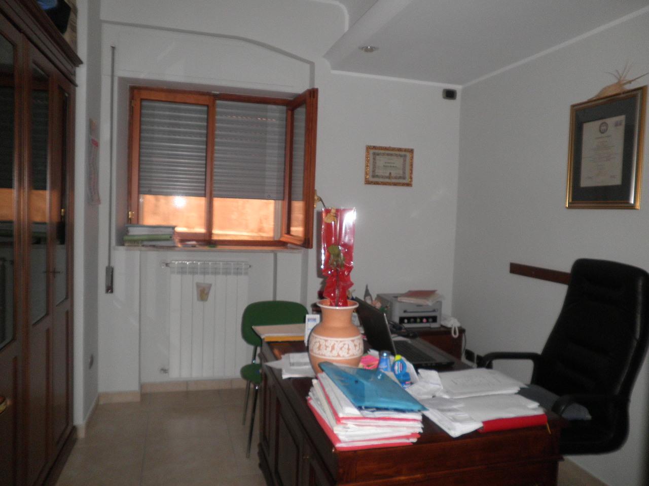vendita appartamento catanzaro quartiere s. leonardo  140000 euro  3 locali  95 mq