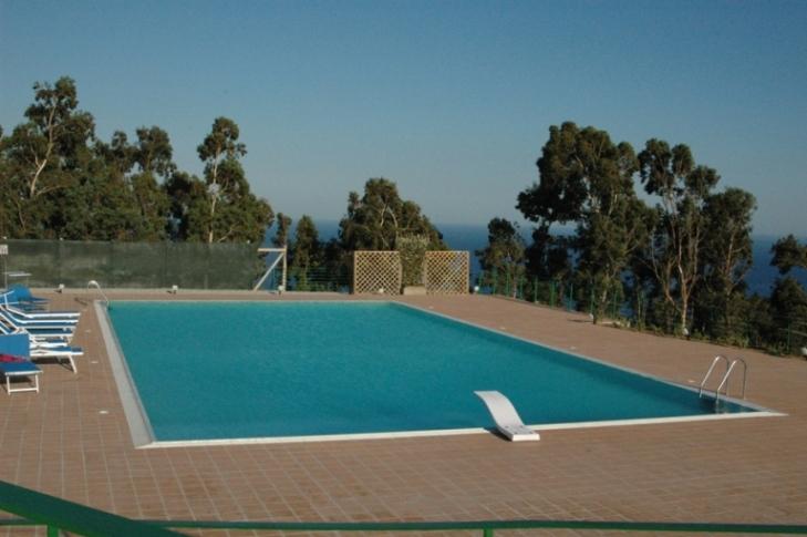 Villa in vendita a Stalettì, 4 locali, zona Località: LocalitàCombo, prezzo € 150.000 | Cambio Casa.it