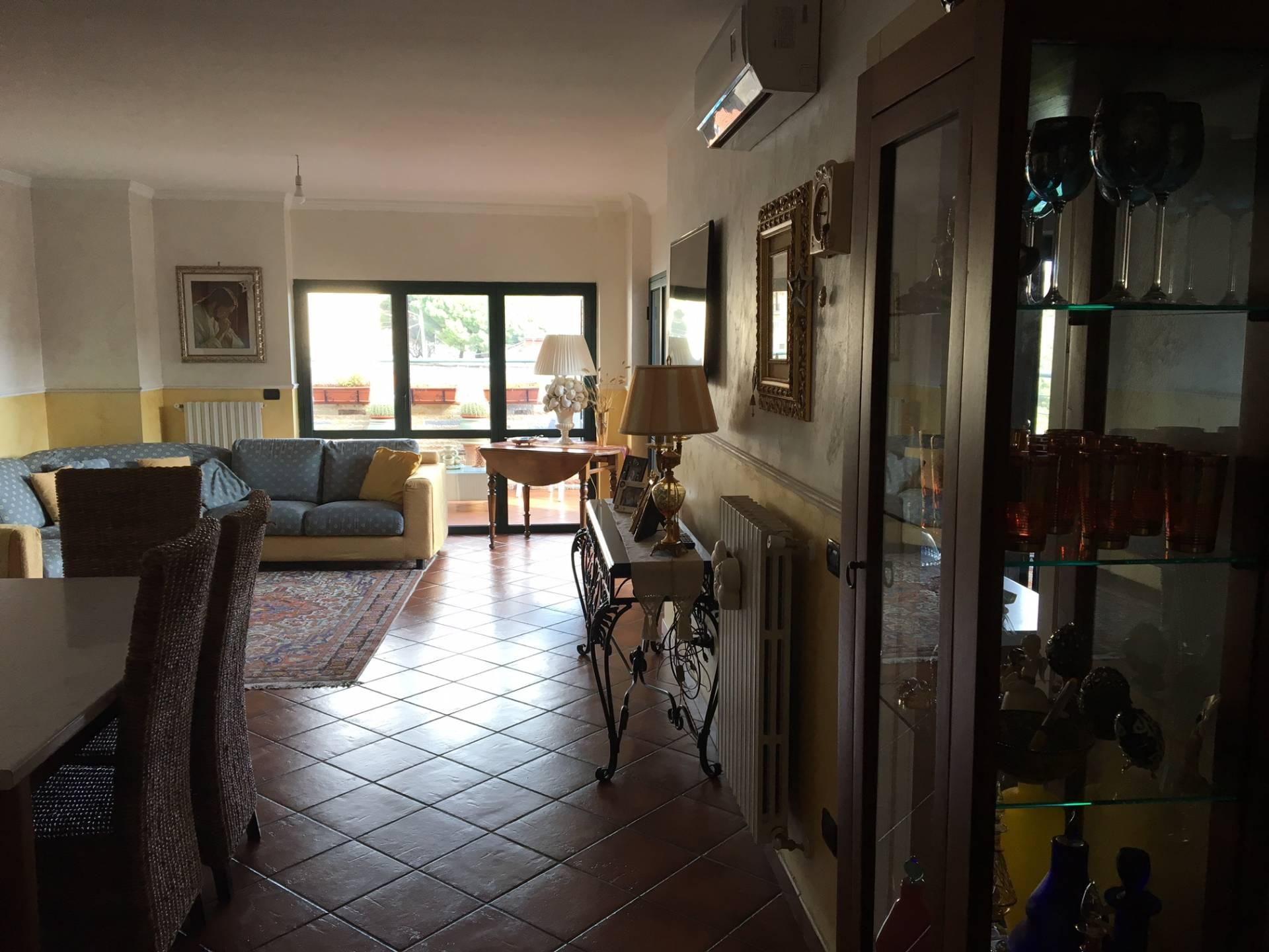 Appartamento in vendita a Catanzaro, 4 locali, zona Località: CATANZAROSUD, prezzo € 220.000 | Cambio Casa.it