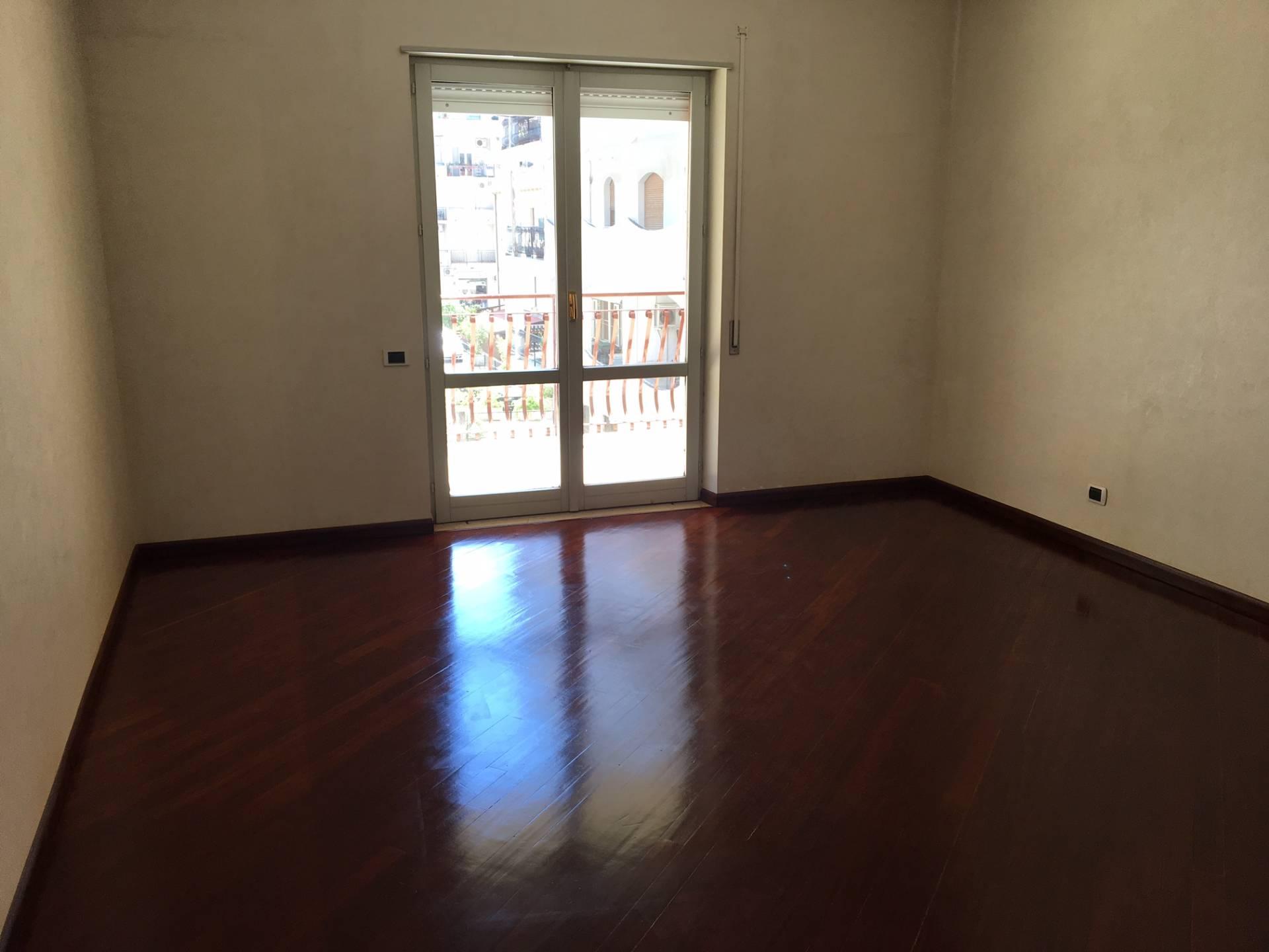 Appartamento in vendita a Soverato, 4 locali, zona Località: Centro, prezzo € 275.000 | Cambio Casa.it