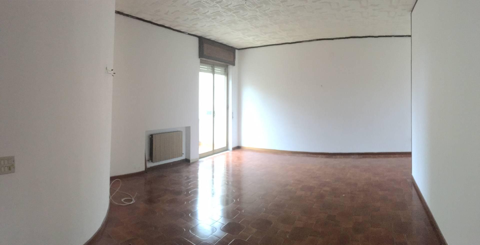 vendita appartamento catanzaro catanzaro sala  165000 euro  4 locali  288 mq