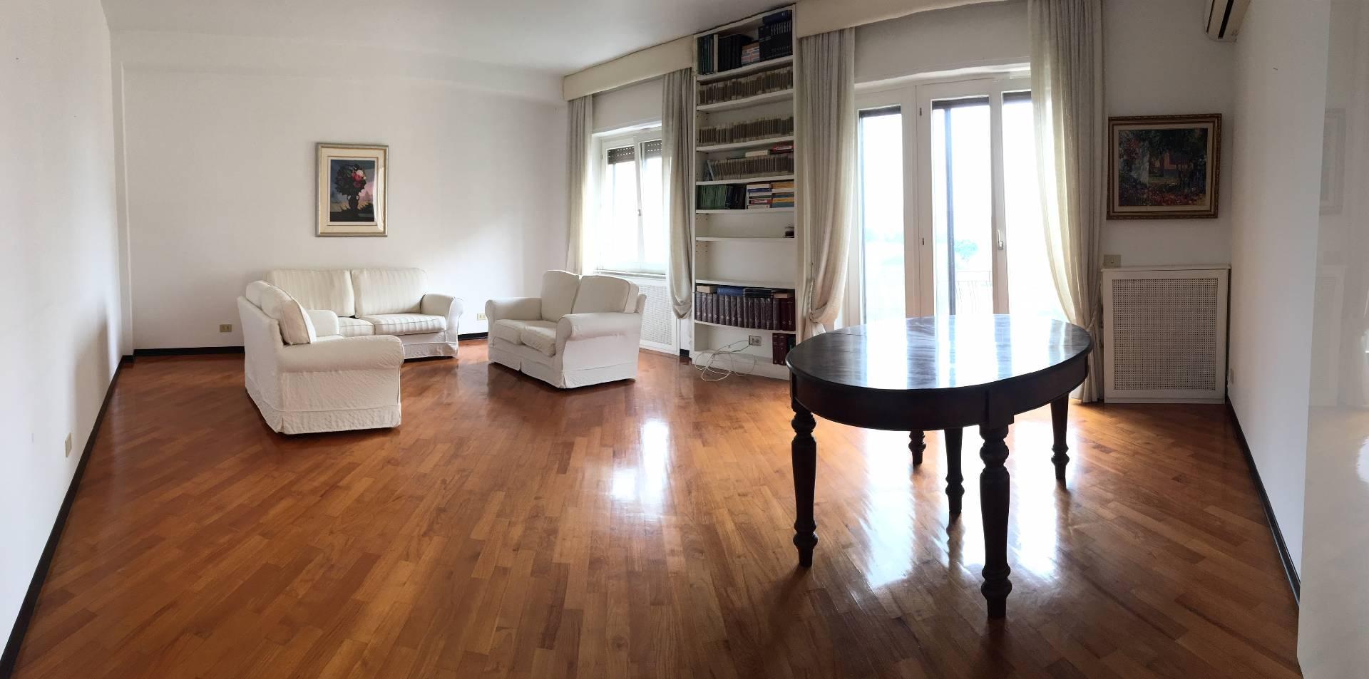 vendita appartamento catanzaro via madonna dei cieli  160000 euro  4 locali  130 mq