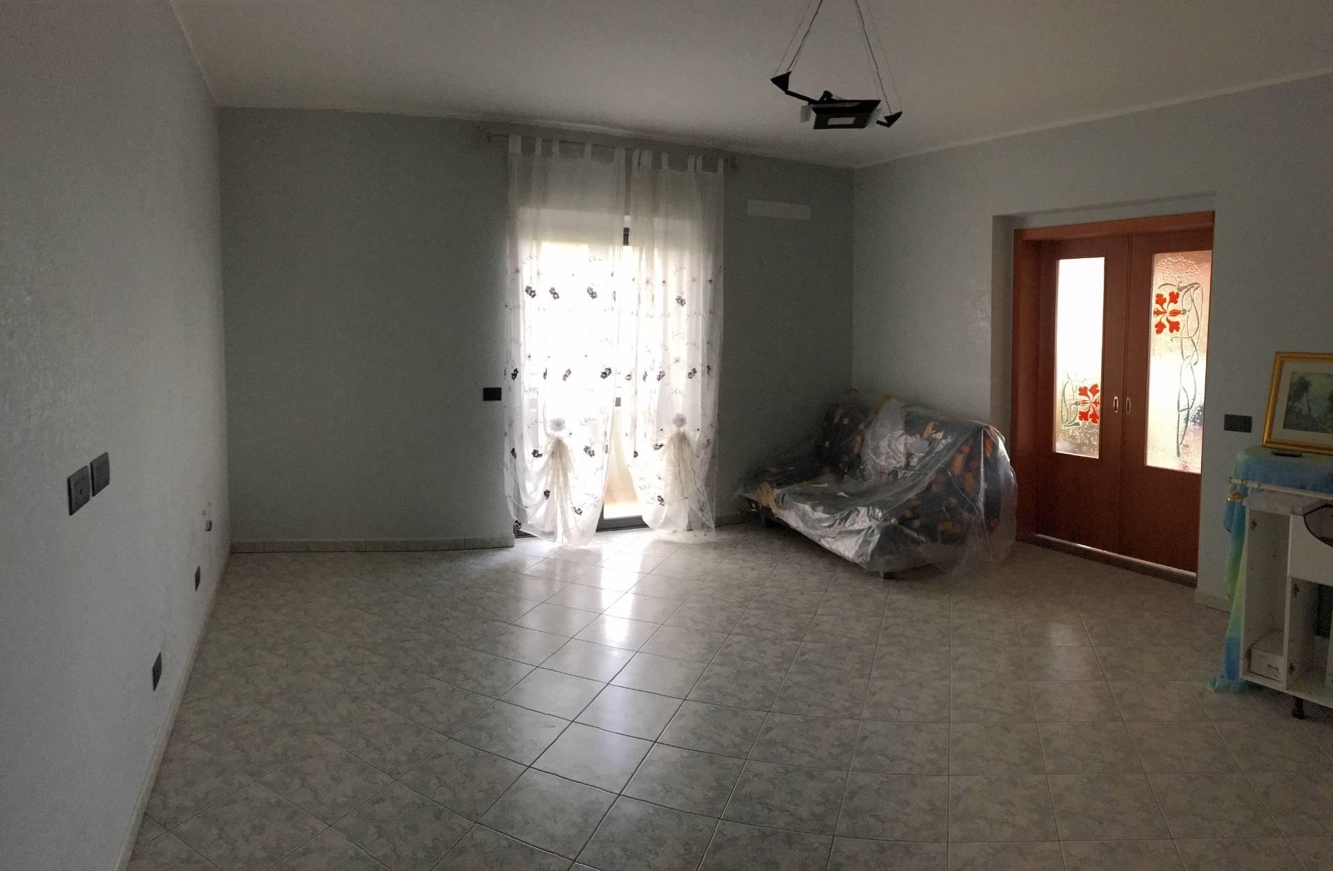 Appartamento in vendita a Davoli, 3 locali, zona Località: MarinadiDavoli, prezzo € 140.000 | CambioCasa.it