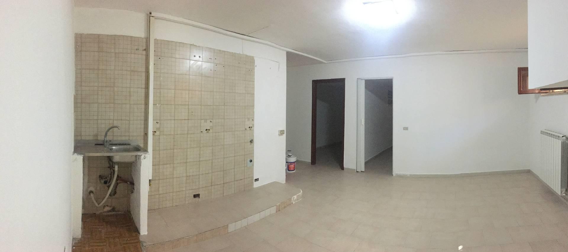 Appartamento in vendita a Borgia, 3 locali, zona Zona: Roccelletta, prezzo € 50.000 | CambioCasa.it