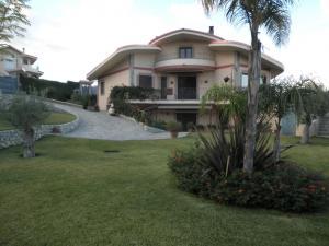 Villa in Vendita a Soverato
