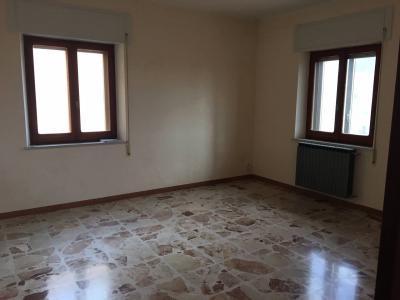 Appartamento in Vendita a Tiriolo