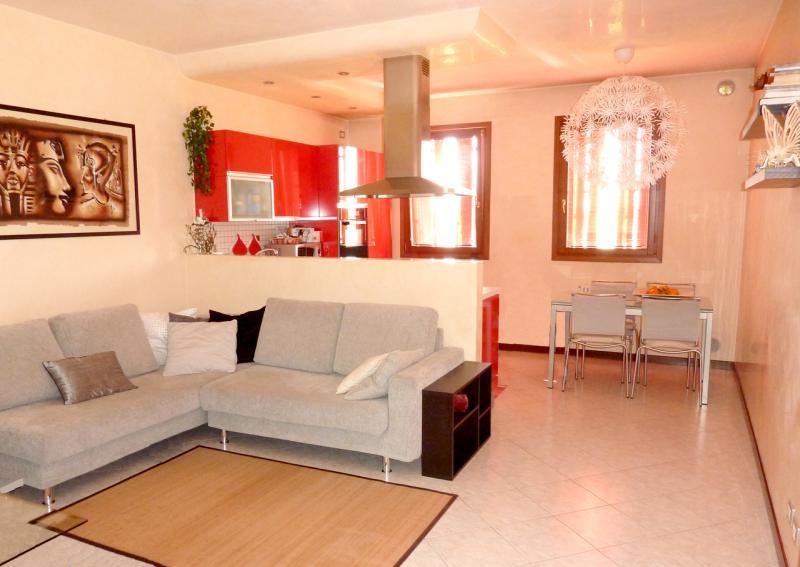 Appartamento in vendita a Oderzo, 4 locali, zona Zona: Piavon, prezzo € 160.000 | CambioCasa.it