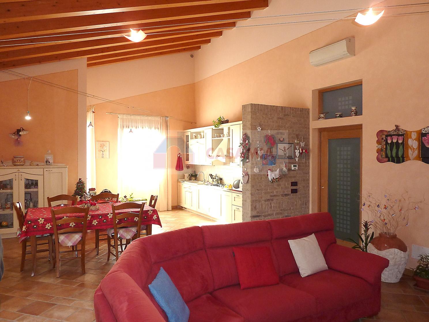 Villa Bifamiliare in vendita a Ormelle, 9 locali, Trattative riservate | CambioCasa.it