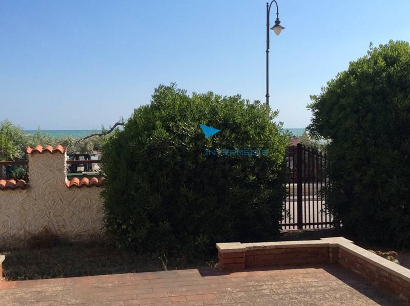 Villa in vendita a Francavilla al Mare, 9 locali, Trattative riservate | Cambio Casa.it