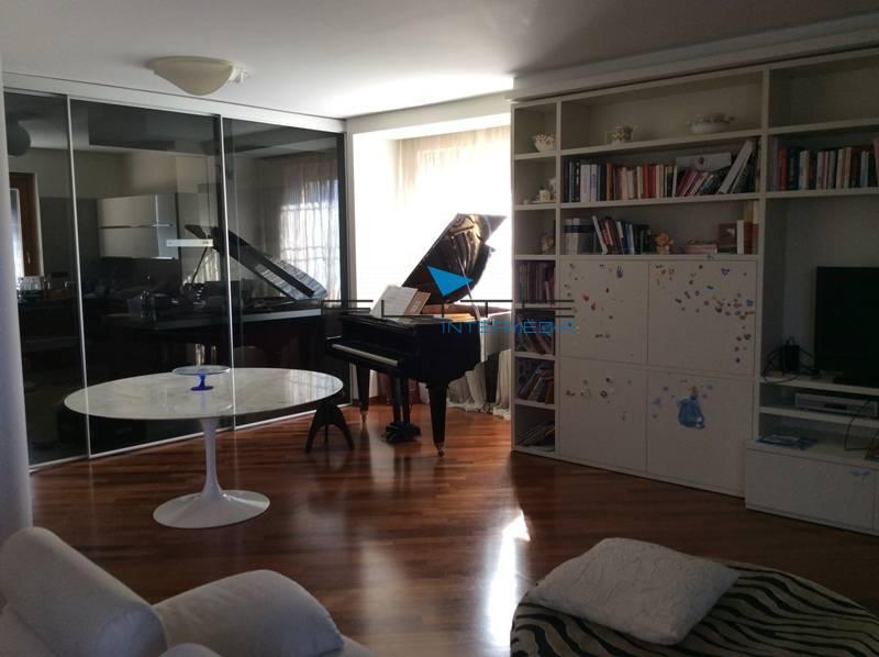 Villa in affitto a Spoltore, 8 locali, prezzo € 1.800 | Cambio Casa.it