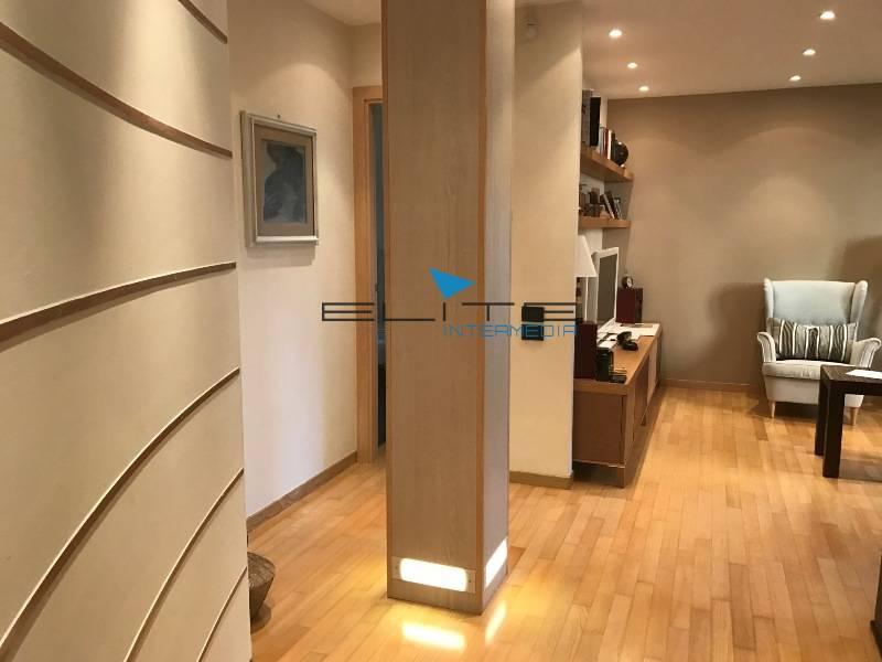 Soluzione Indipendente in vendita a Pescara, 7 locali, zona Località: Semicentro, prezzo € 420.000 | Cambio Casa.it