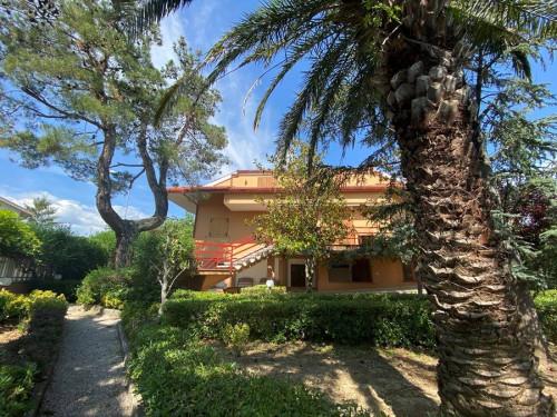Casa singola in Vendita a Loreto Aprutino