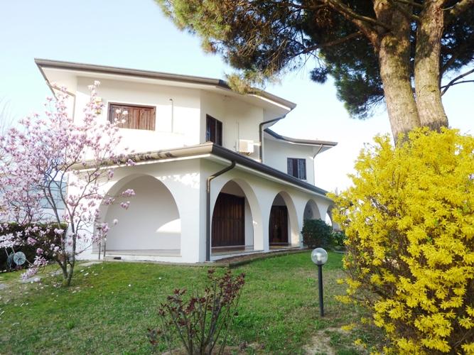 Villa in vendita a Casale sul Sile, 12 locali, zona Località: Conscio, prezzo € 300.000 | Cambio Casa.it