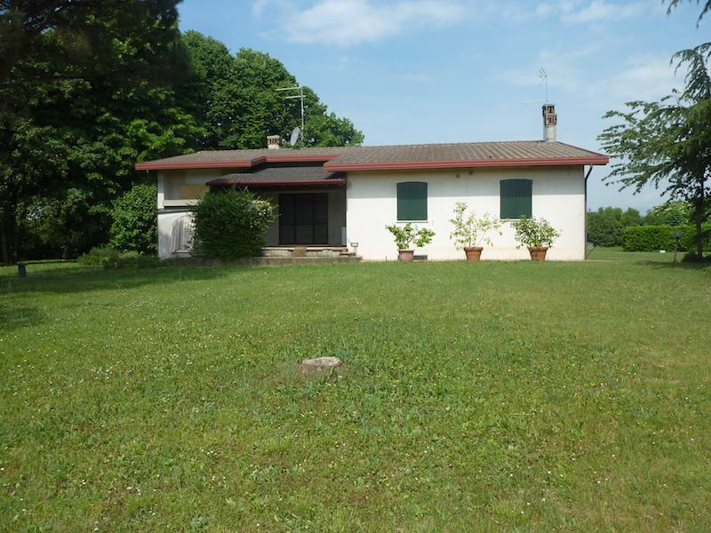 Villa in vendita a Povegliano, 15 locali, zona Località: POVEGLIANO, prezzo € 290.000 | Cambio Casa.it