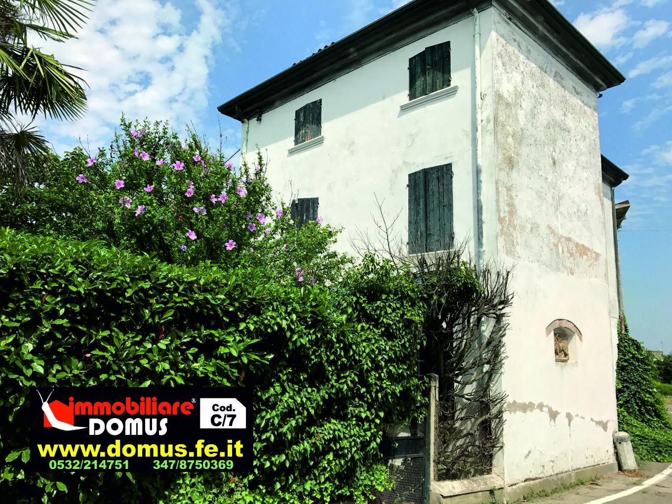 Soluzione Indipendente in vendita a Canaro, 11 locali, prezzo € 150.000 | CambioCasa.it