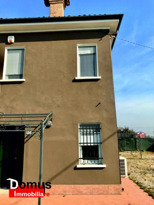 Casa libera su 3 lati in Vendita a Ferrara