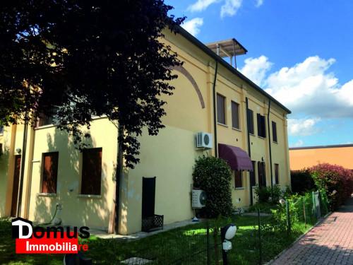 Villetta d'angolo in Affitto a Ferrara