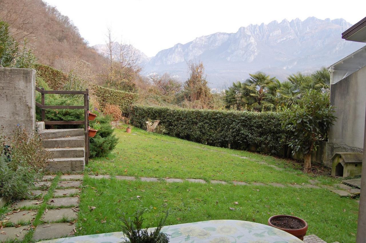 Villa Bifamiliare in Vendita a Pescate