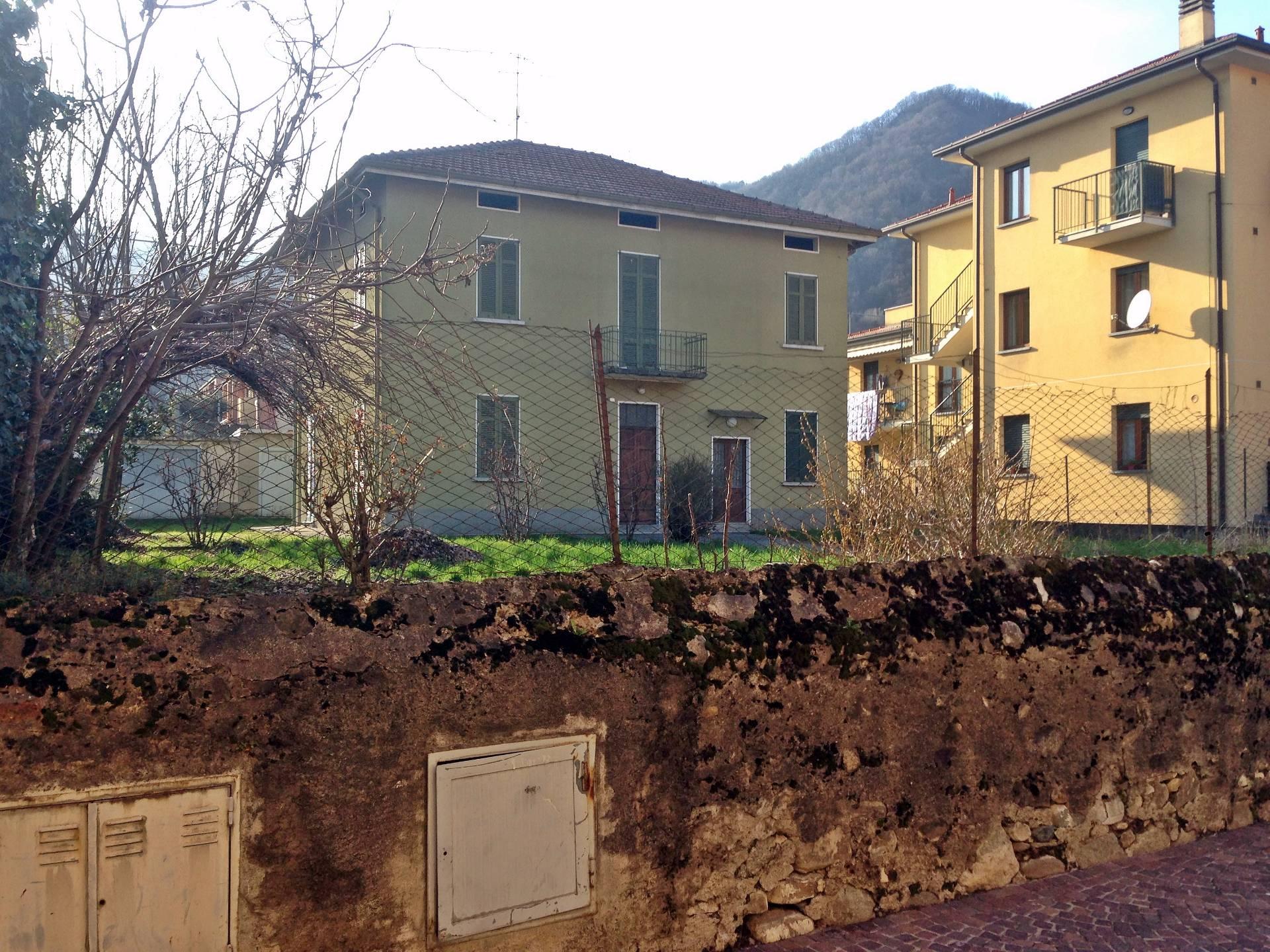 Villa Bifamiliare in vendita a Valgreghentino, 8 locali, prezzo € 280.000 | Cambio Casa.it