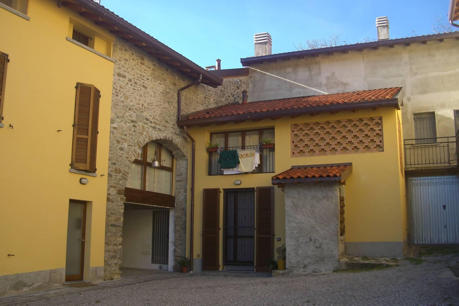 Appartamento in vendita a Valgreghentino, 2 locali, prezzo € 60.000 | Cambio Casa.it