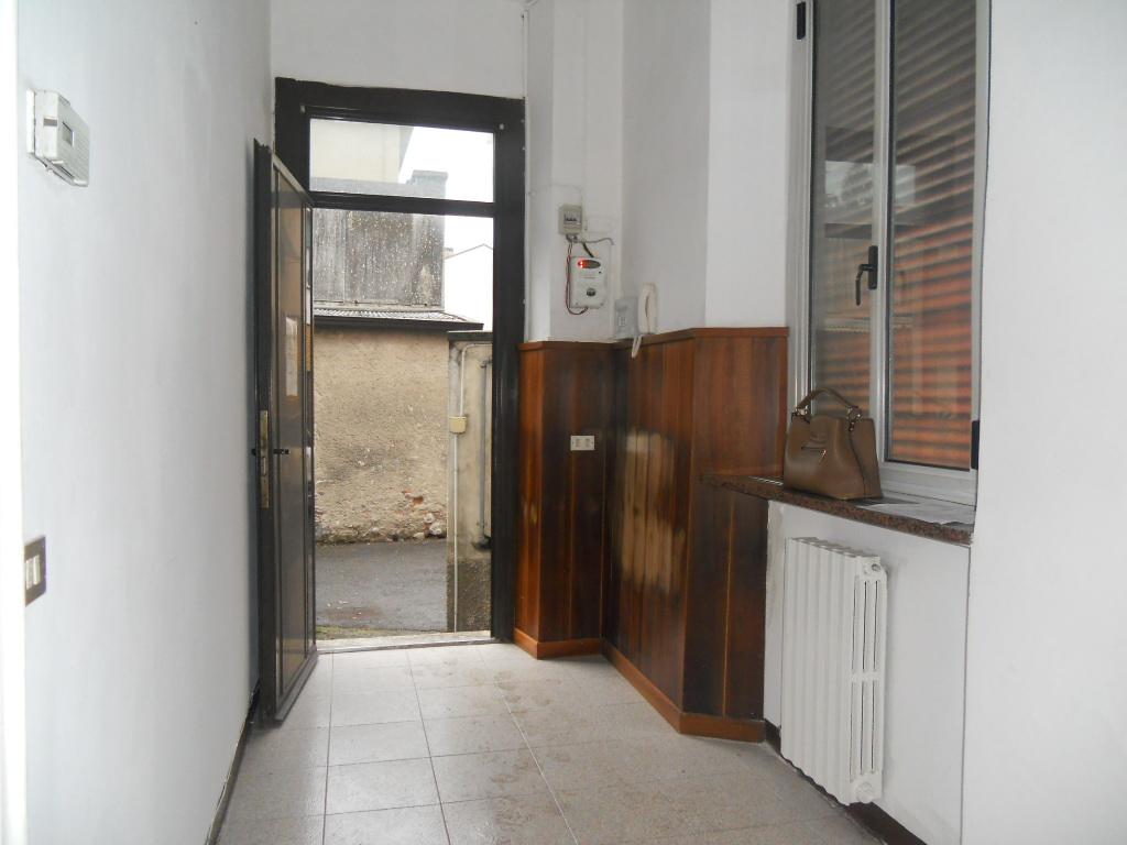 Bilocale lecco vendita 76 mq riscaldamento for Ristrutturare appartamento 75 mq