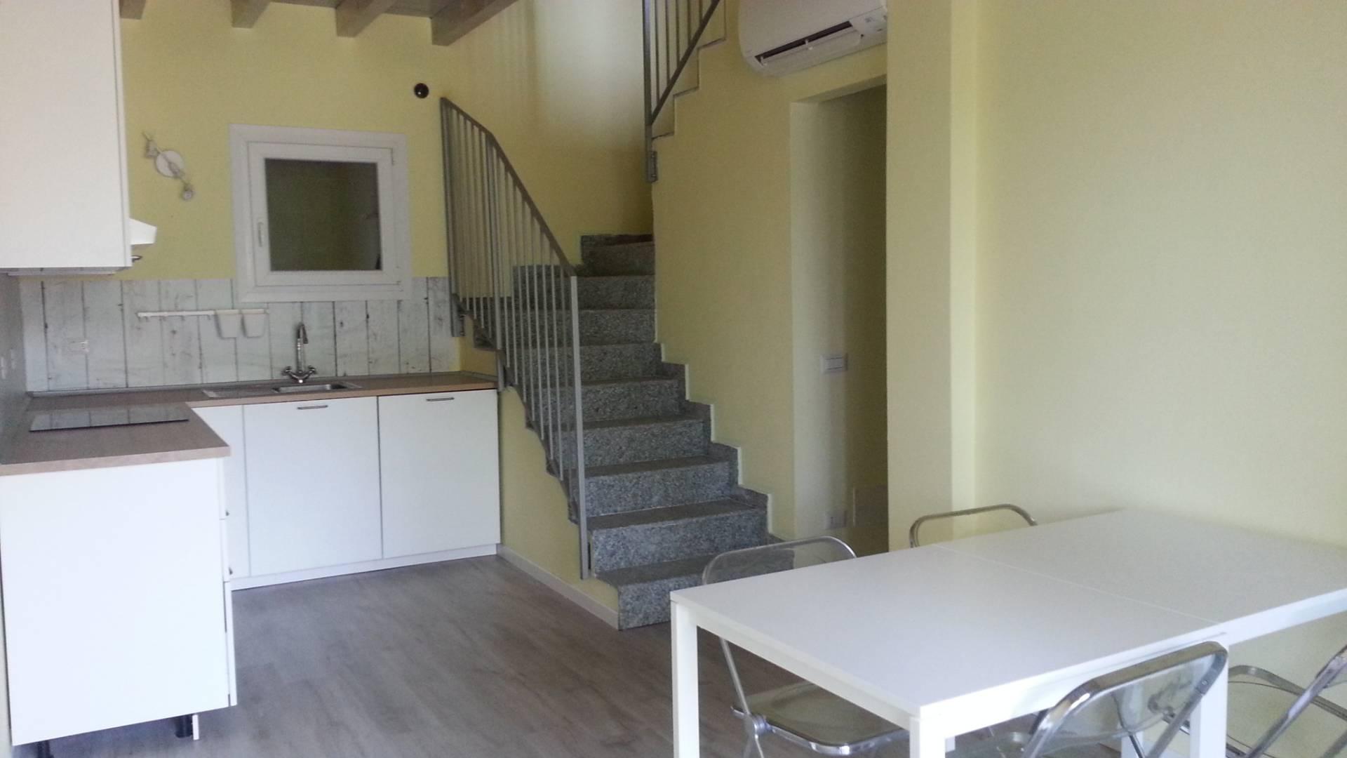 Villa a Schiera in Affitto a Lecco