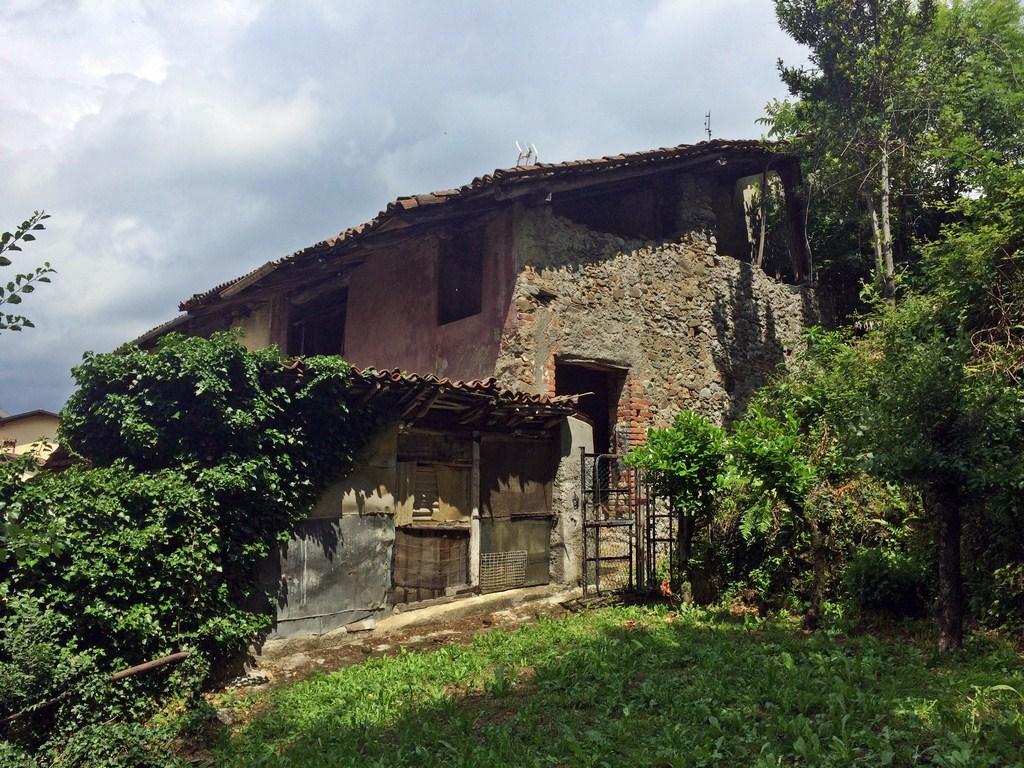 Rustico / Casale in vendita a Galbiate, 5 locali, prezzo € 50.000   CambioCasa.it