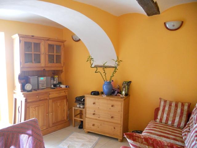 Appartamento in vendita a Perinaldo, 3 locali, prezzo € 59.000   CambioCasa.it