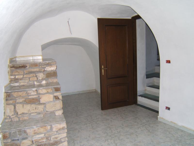 Appartamento in vendita a Perinaldo, 2 locali, prezzo € 50.000   CambioCasa.it