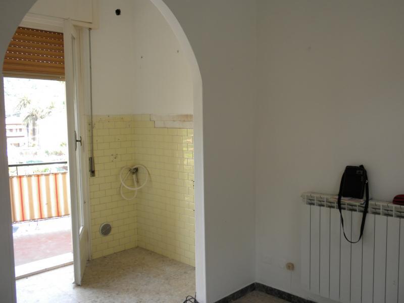 Appartamento in vendita a Camporosso, 3 locali, prezzo € 175.000   CambioCasa.it